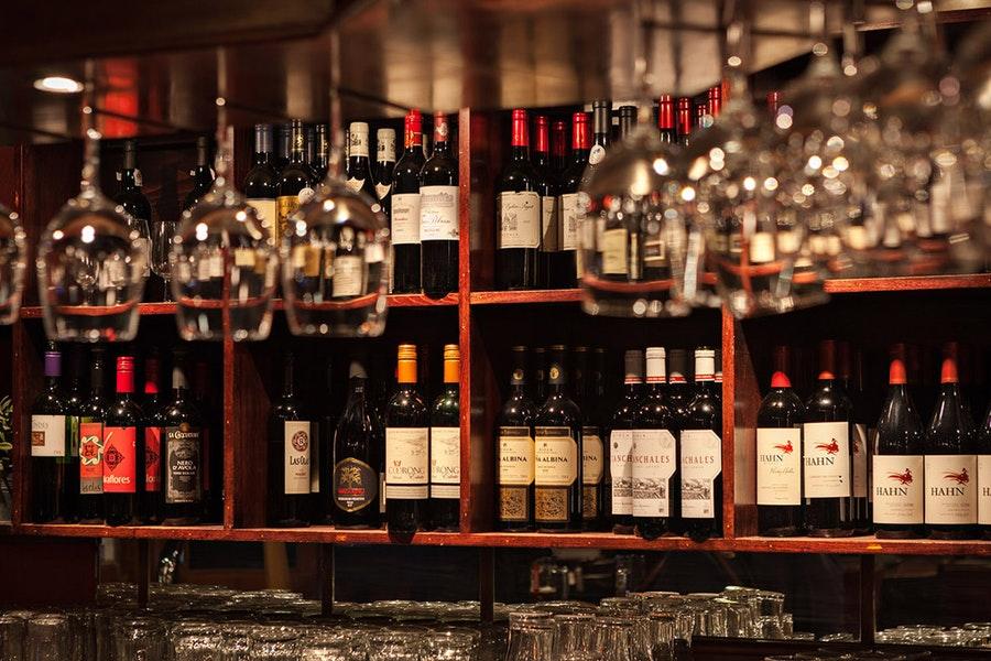 Willy's Wine Bar