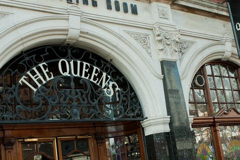 The Queen's Pub & Dining Room