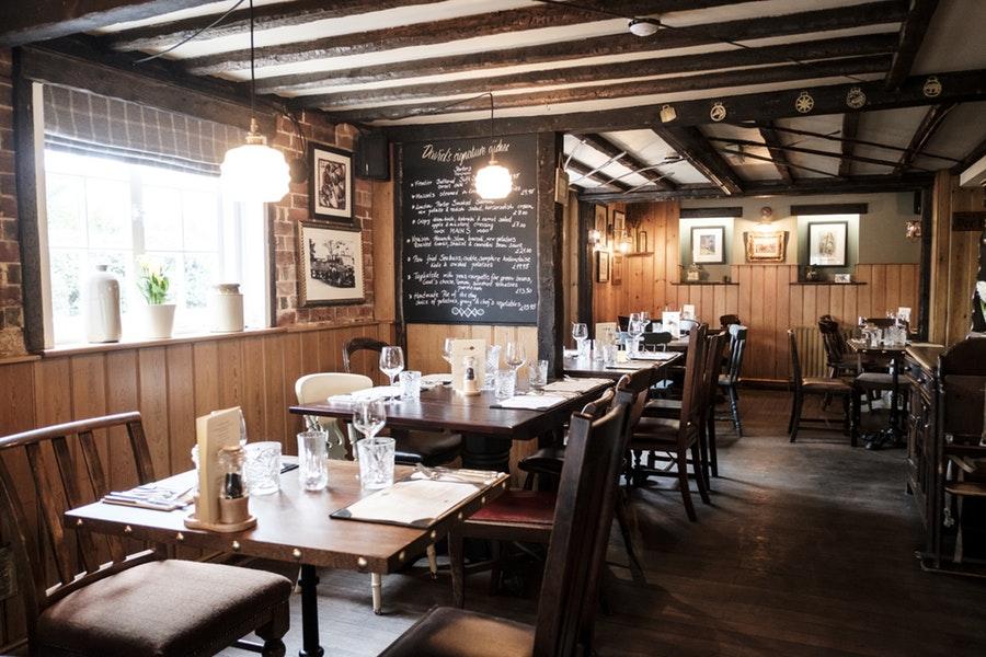 Oak Inn