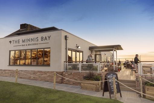 Minnis Bay Bar & Restaurant