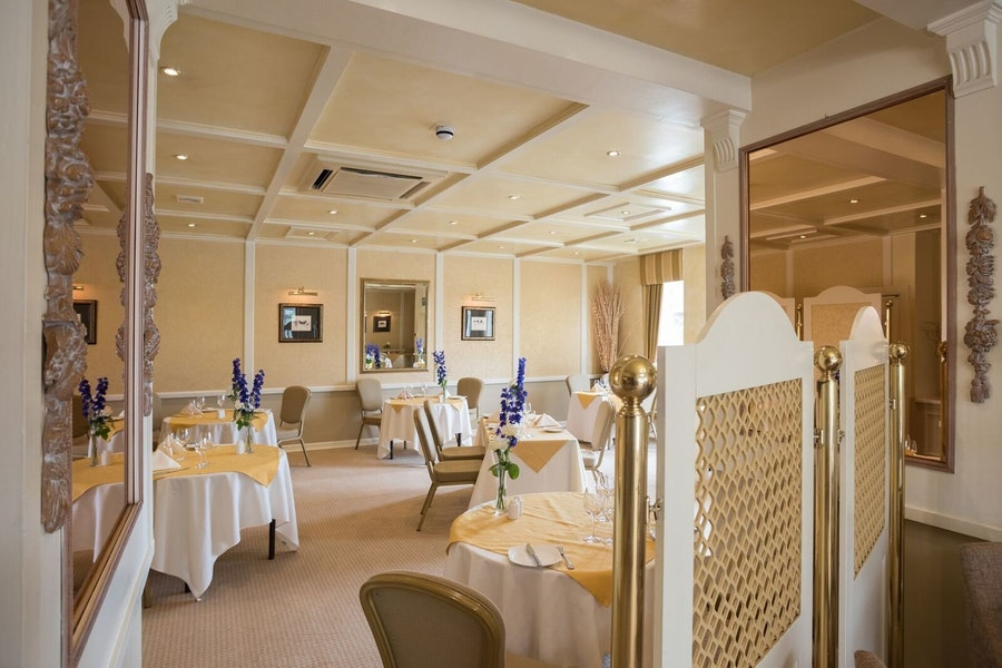 Carriages Restaurant at Alveston House Hotel