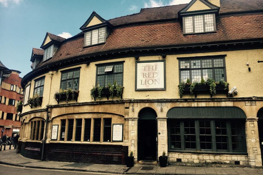 The Red Lion - Pizza Kitchen & Bar
