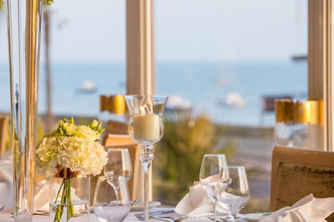 The Roslin Beach Hotel Restaurant
