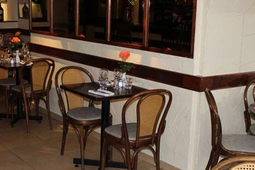 Leonardo restaurant and wine bar