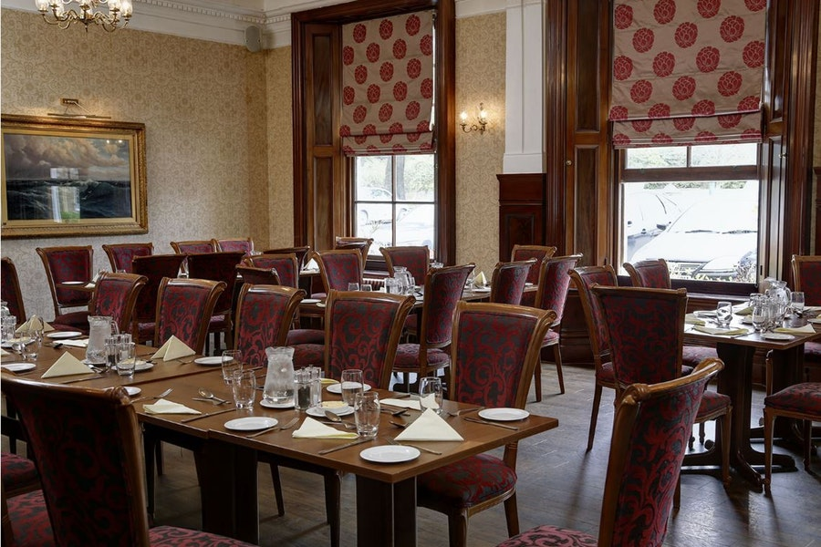 The Manor Restaurant - Chilworth Manor