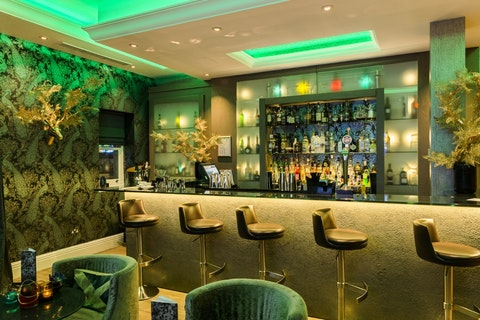 Living Wall Bar at Hotel Xenia
