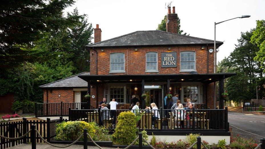 The Red Lion Knotty Green, Buckinghamshire - Restaurant ...