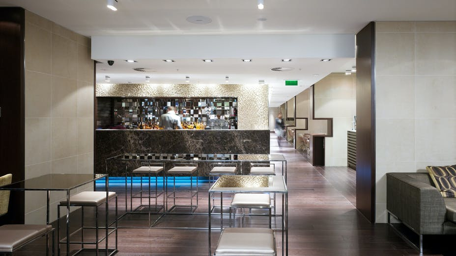 Off The Wall Bar at the Apex London Wall Hotel
