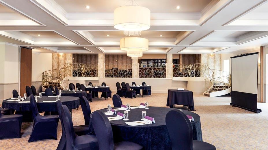 Mercure Albrighton Hall Hotel
