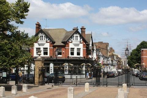 Greenwich Tavern