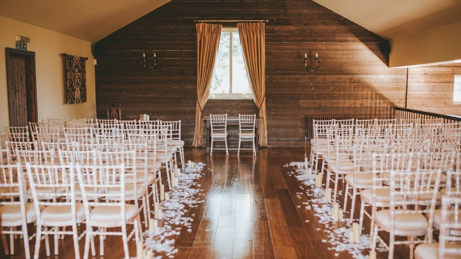 Weddings at The Essex Barn At The White Hart