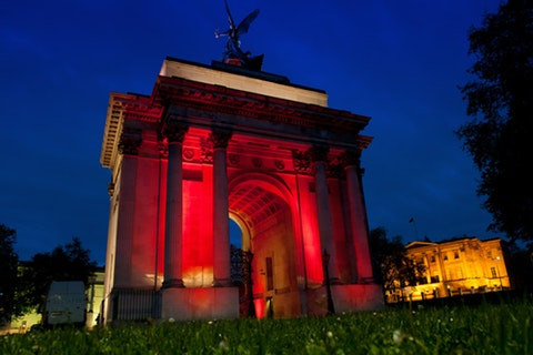 Weddings at Wellington Arch